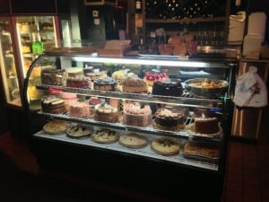 displaY CAKES